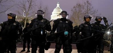 Полицията на Капитолия задържа мъж с пистолет и боеприпаси