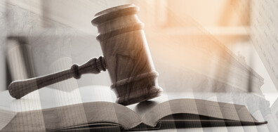 Повдигнаха обвинение на действащ прокурор