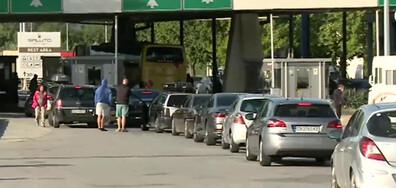 """Гърция отвори за туристи, има опашка от коли на """"Кулата"""""""