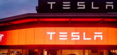 Мъск представи най-бързата електрическа кола в света