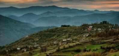Планински спасители издирват човек в Родопите