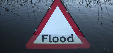 Проливни дъждове и наводнения в Лондон (ВИДЕО)