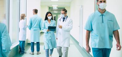 3000 медици във Франция остават без работа заради задължителния здравен сертификат