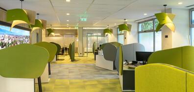 Офис от ново поколение обслужва клиентите на Банка ДСК