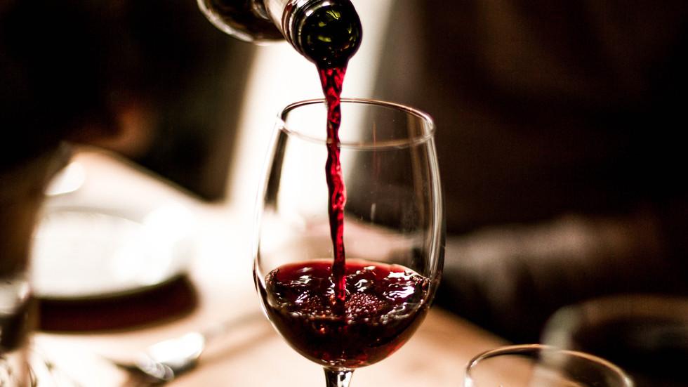 Резултат с изображение за вино