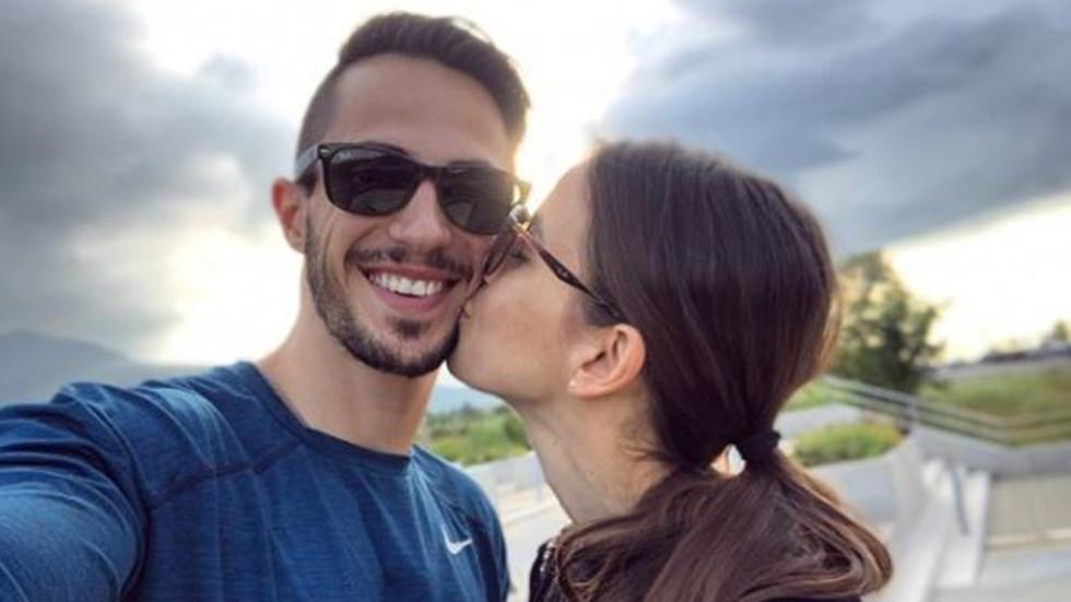 Наум Шопов се сгоди за дългогодишната си приятелка (СНИМКА)