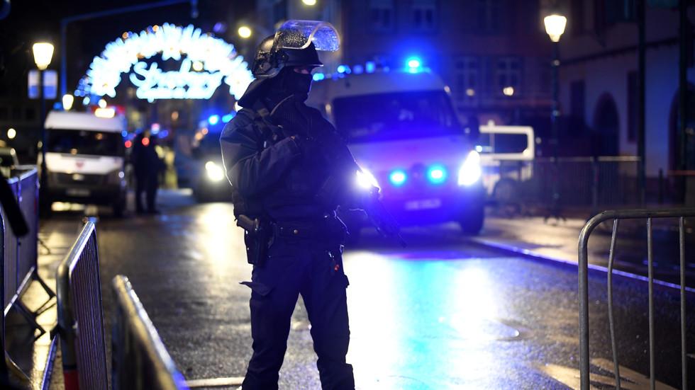Авторът на касапницата в Страсбург избягал с такси