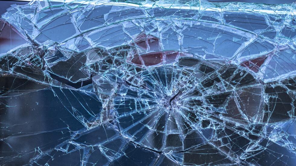 Тежка катастрофа с кола на НСО, пострадало е дете