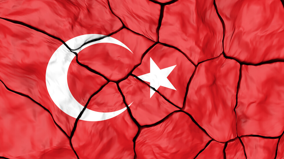 Ново силно земетресение удари Турция