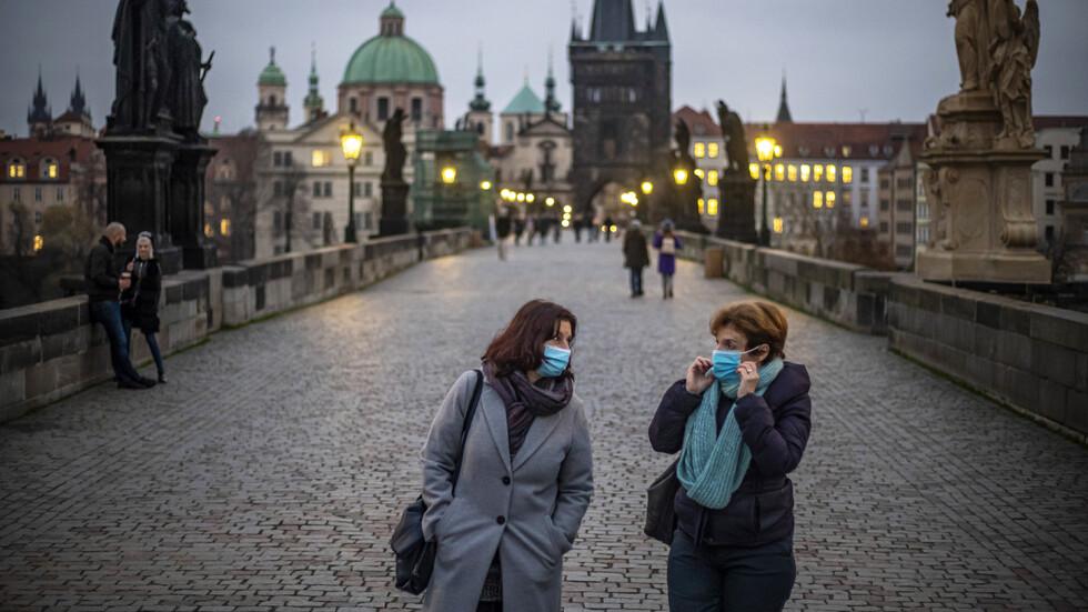 Чехия облекчава някои рестрикциите, въведени заради коронавируса - NOVA