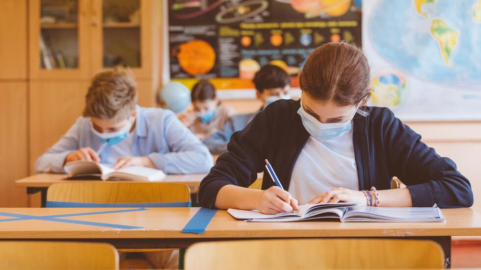 Здравният министър с нова заповед за учениците (ДОКУМЕНТ) - Образование - България - Новините на NOVA - NOVA