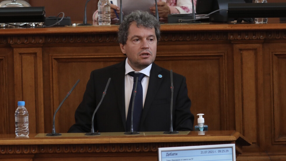 Тошко Йорданов: Асен Василев е откраднал интелектуална собственост, не може да бъде министър