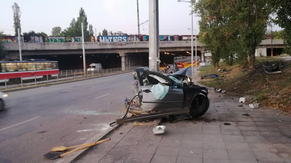 Двама пострадали при тежка катастрофа в София (ВИДЕО+СНИМКИ)