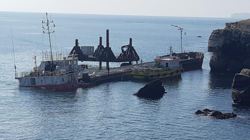 """Започва разтоварването на кораба """"Вера Су"""" (Видео)"""