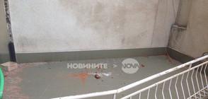 Тухли, мазилка и ламарини падат върху минувачи в София