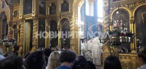 Духовници доброволци влизат в COVID-отделенията в София (ВИДЕО)