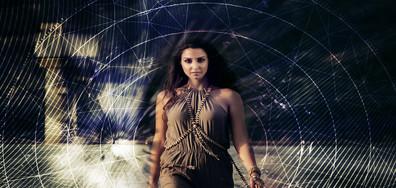 Християна Лоизу дебютира с песента Phoenix