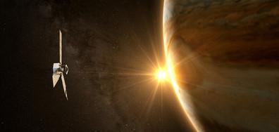 Сондата Джуно прелетя максимално близо над Юпитер