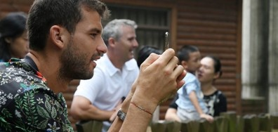 Гришо се снима с панди преди турнира в Китай (СНИМКИ)