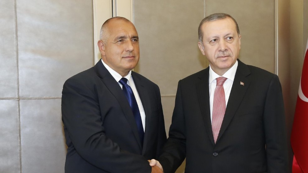 Турция с ултиматум към Европа за визите и бежанците