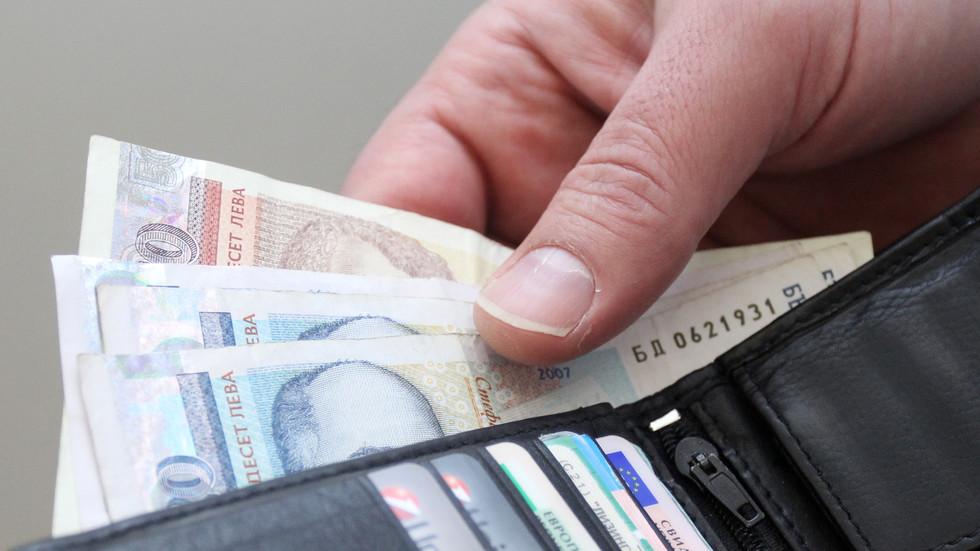 Минималната работна заплата остава 460 лева - NOVA