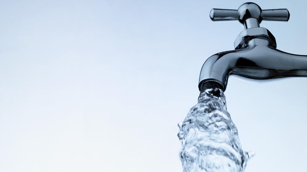 Замърсена вода? Квартал в Генерал Тошево изолиран от ВиК-системата
