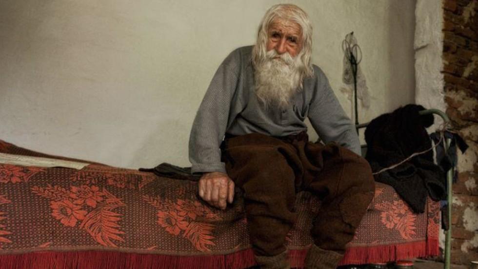 """""""ТИХИЯТ АНГЕЛ"""": Документален филм разказва за живота на дядо Добри (ВИДЕО)"""