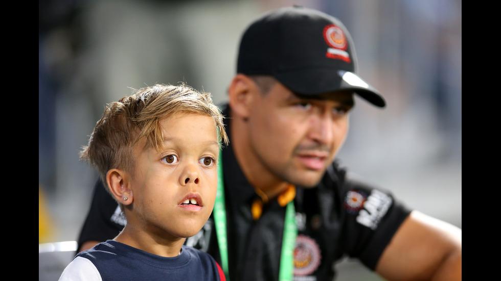 Тормозеното австралийско момче дари 475 000 долара за благотворителност
