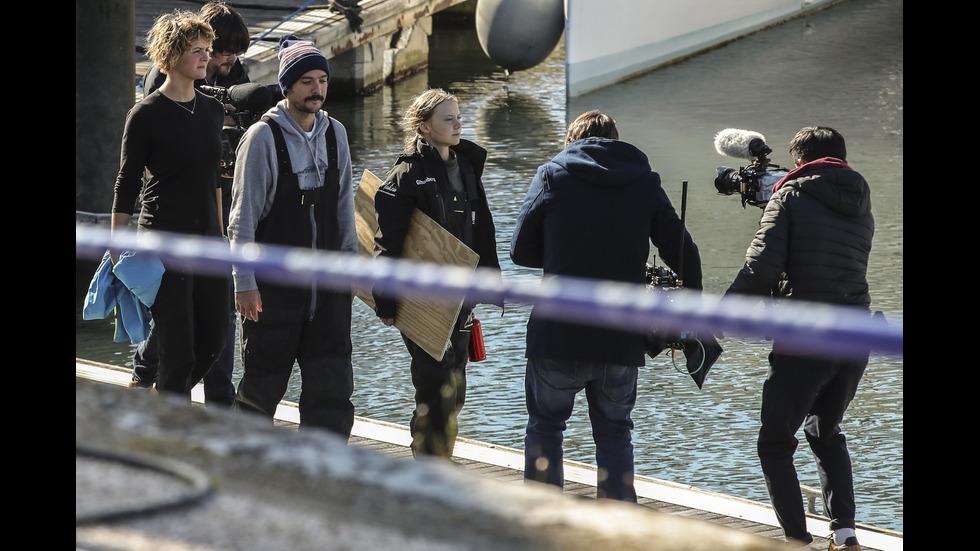 Грета Тунберг пристигна в Европа с яхта