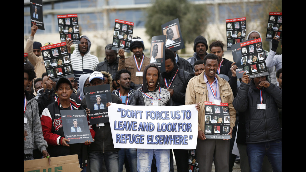 Хиляди африканци на протест срещу депортирането им от Израел