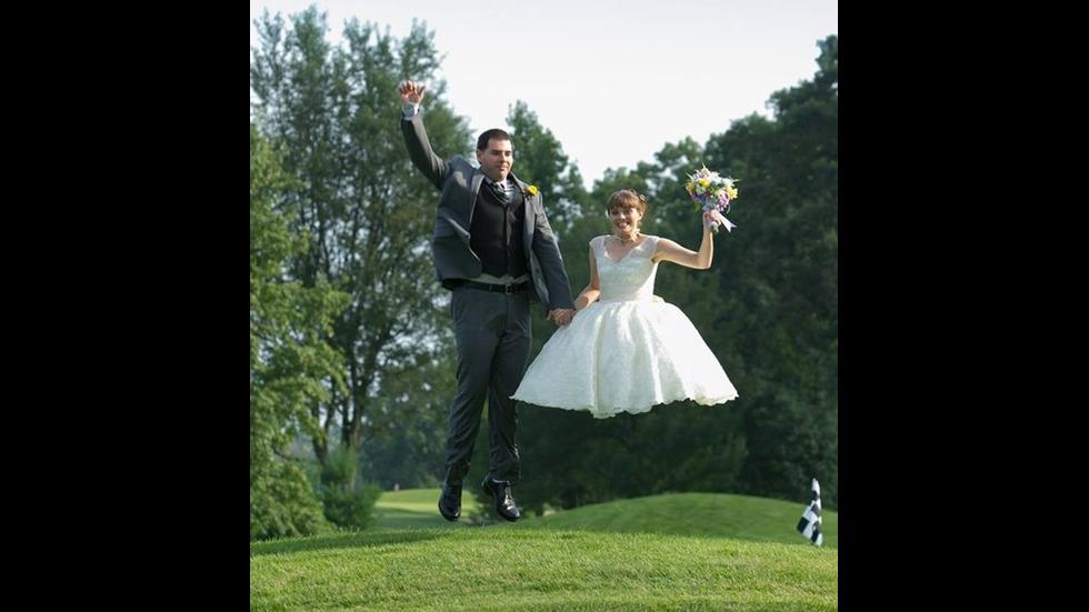 Смешни кадри от сватбените албуми