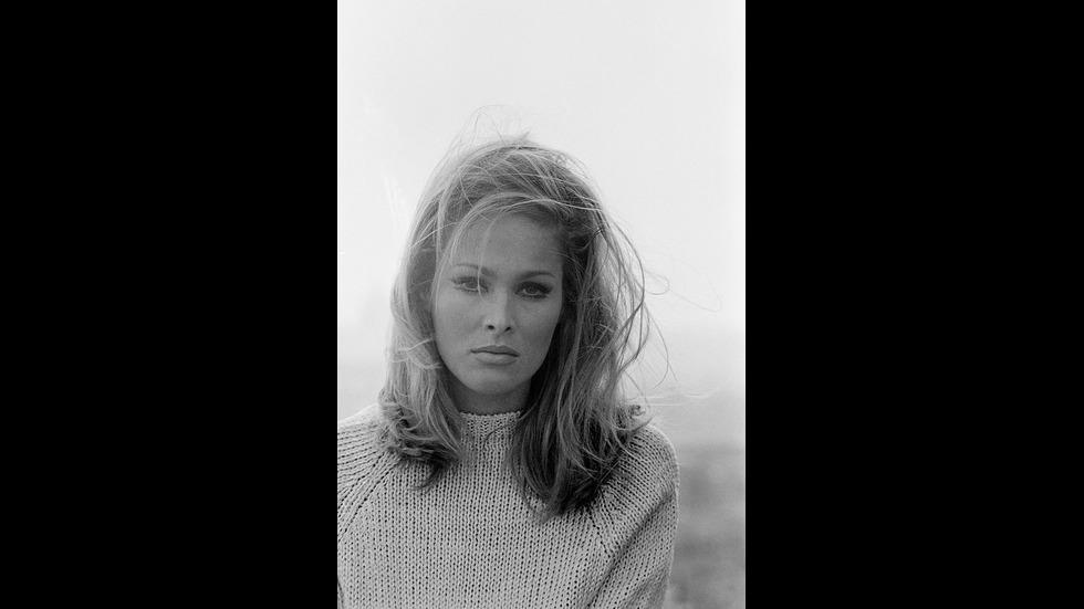 Момичетата на Джеймс Бонд - преди и сега
