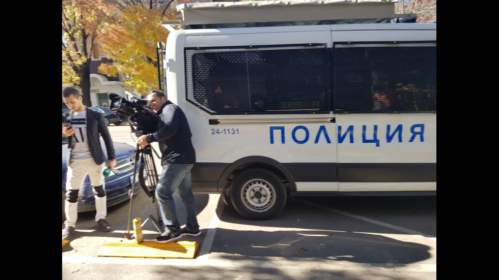 """Спецпрокурори и полиция атакуваха имоти на Баневи, проверява се и """"Полимери"""""""
