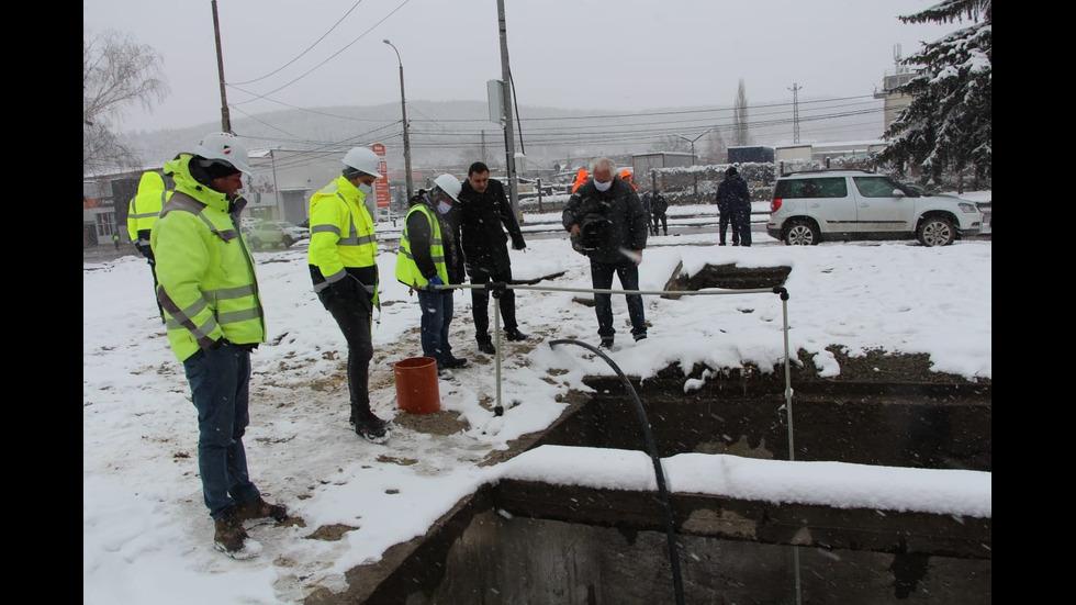 С НОВИЯ ВОДОПРОВОД: Водата в Перник вече ще се спира само през нощта