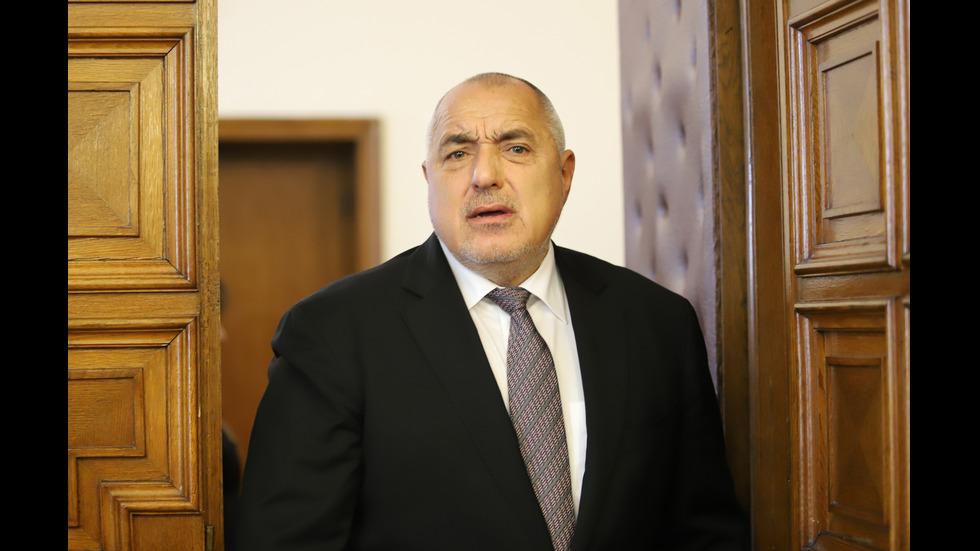 Борисов към шефа на АПИ: Защо ми правите тези номерца?
