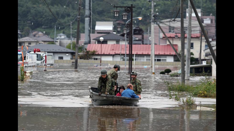 """Заради тайфуна """"Хагибис"""": Увеличава се броят на жертвите в Япония"""