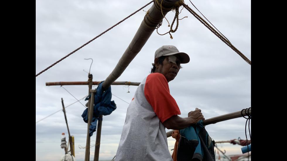 Тайфунът Камури взе жертви във Филипините