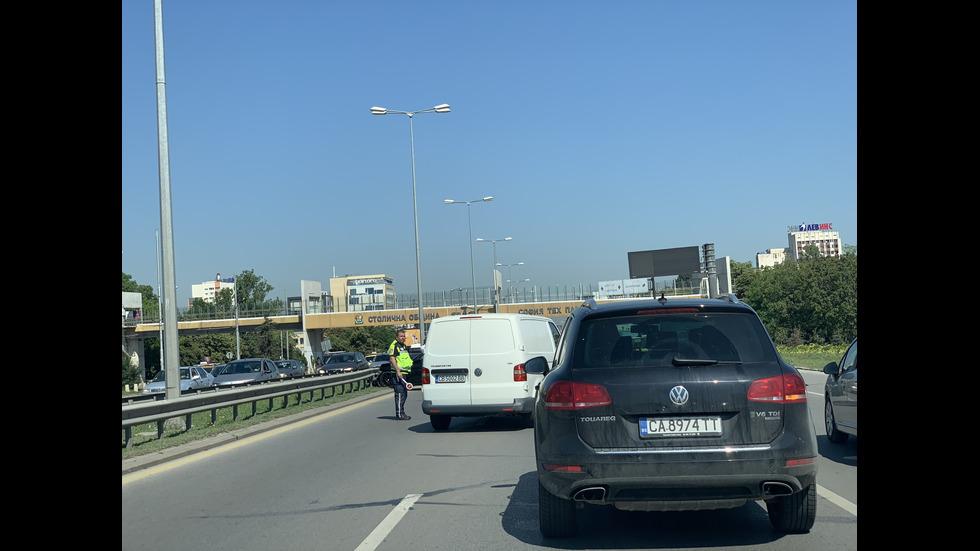 "Автобус и кола се удариха на ""Цариградско шосе"""