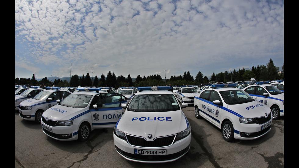 Полицията получи стотици нови патрулки