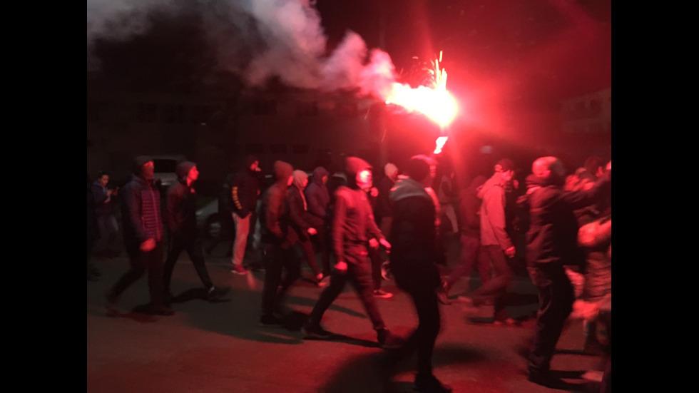 Сблъсъци между протестиращи и жандармерия в Габрово