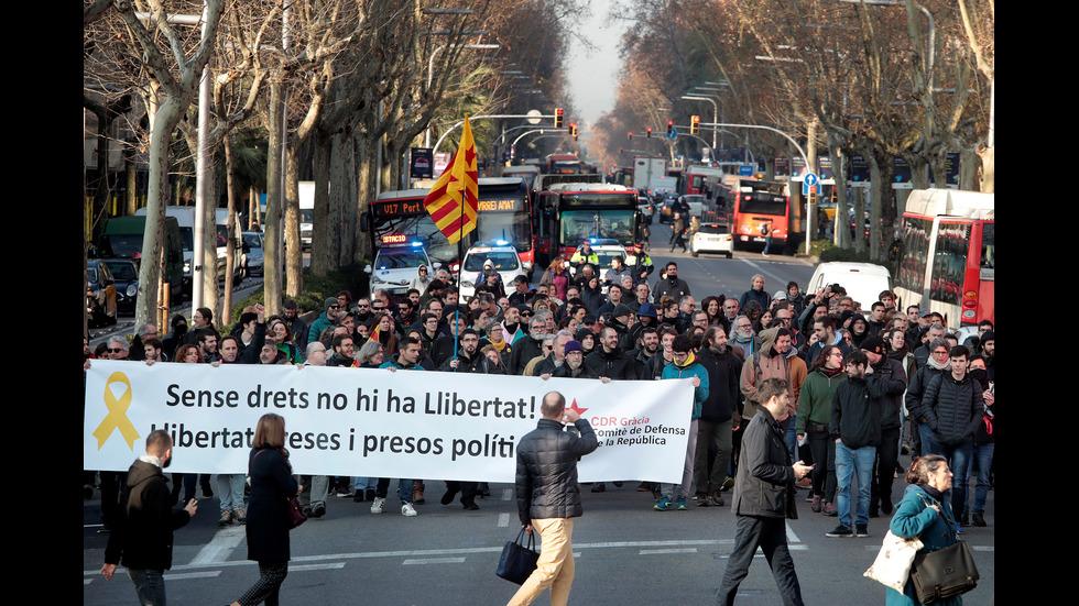 28 души пострадаха при безредици в Каталуния