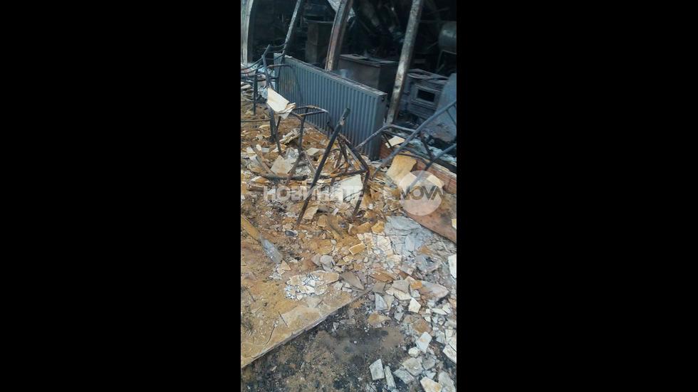 Първи кадри от разрушените домове в Хитрино