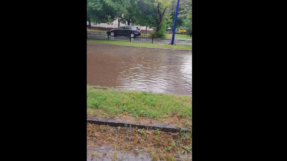 Наводнени улици в Пазаржик