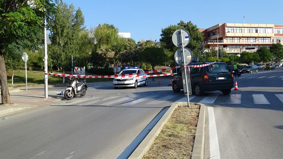 Блъснаха моторист в Благовеград