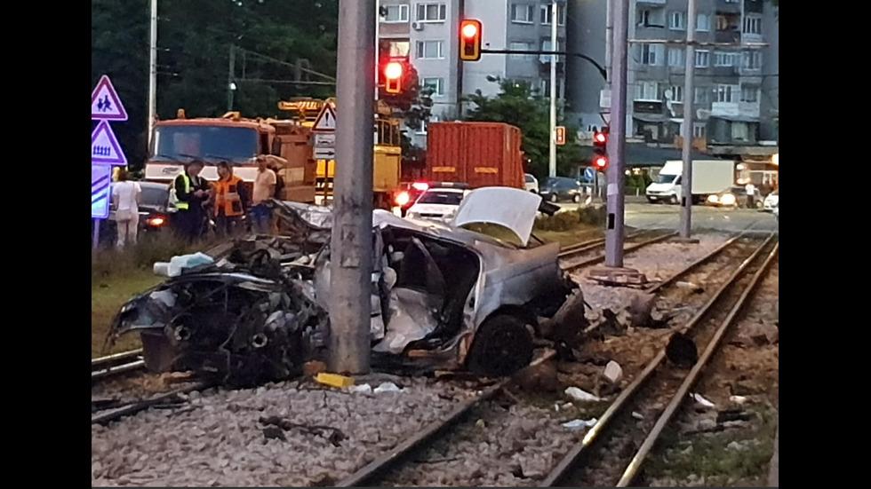 Жена катастрофира на трамвайни линии в София