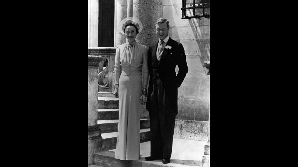 СЕКС, ЛЪЖИ И АБДИКАЦИЯ: Скандалите в британското кралско семейство