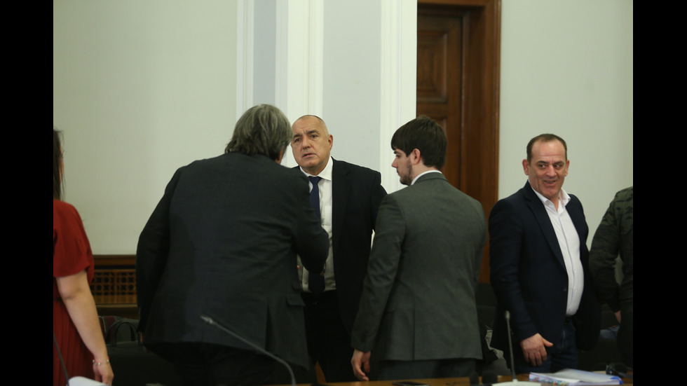 Борисов изпраща правителствения самолет да прибере група ученици от Италия