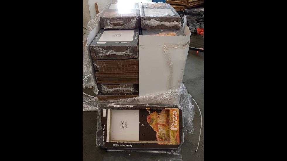 Хванаха контрабандни цигари на Летище София, скрити в кутии за пица