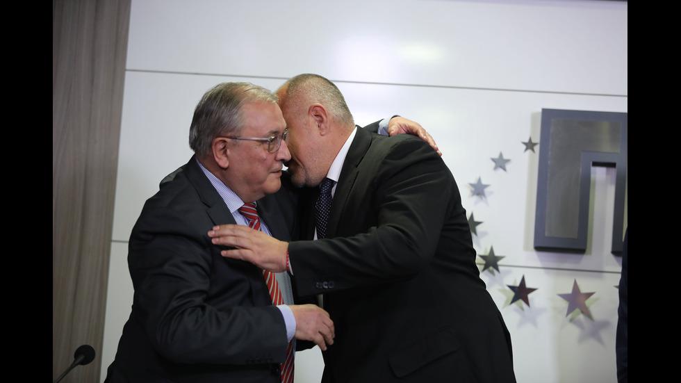 Борисов обеща 2 сигурни места на СДС в предстоящия ЕП