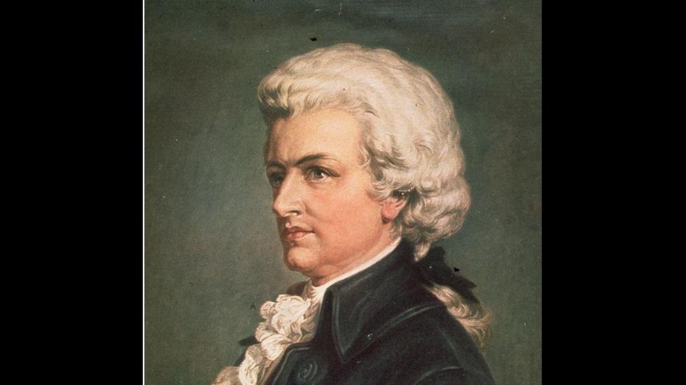 Моцарт става масон във виенския си период (1781-1791).